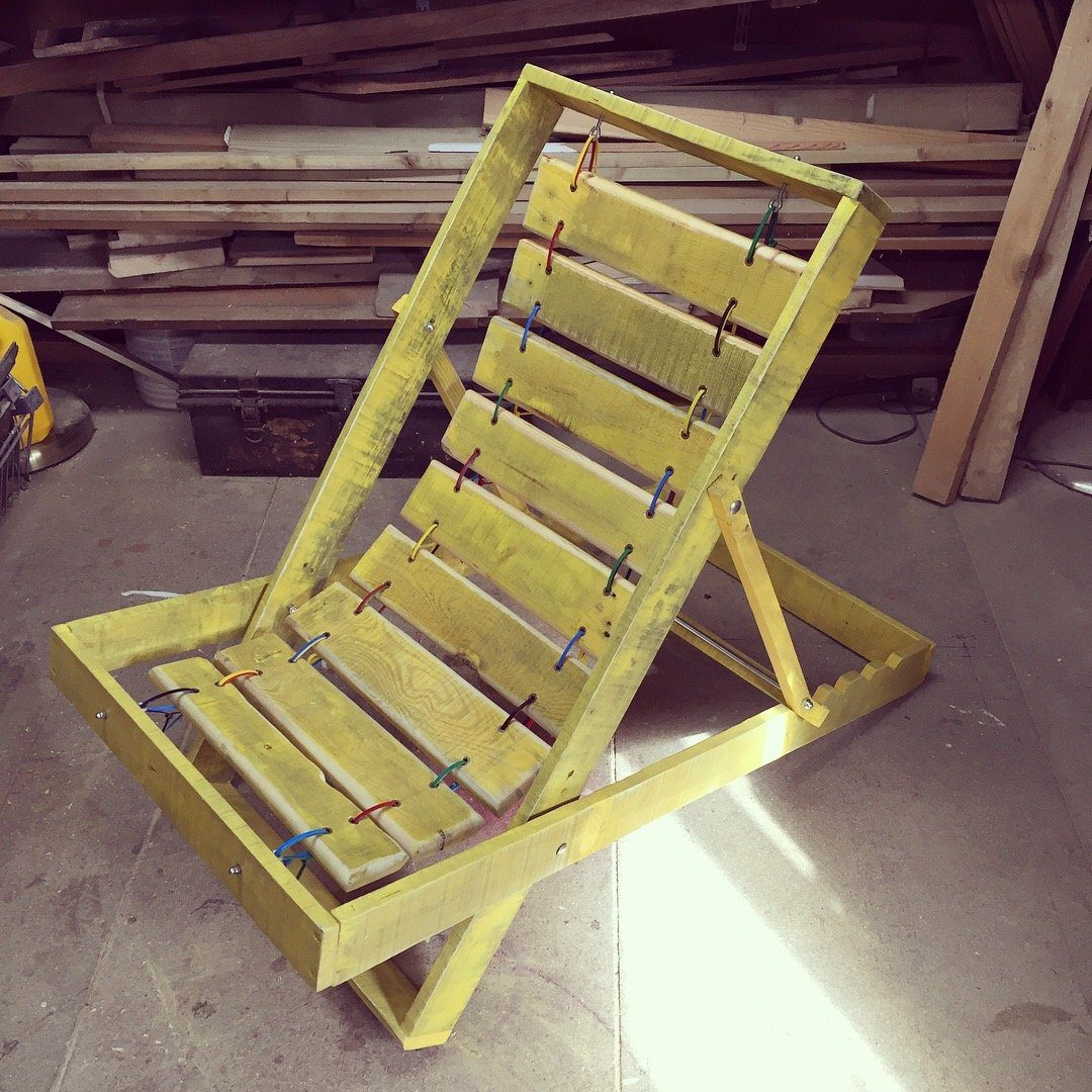 Charis Williams designs and builds a deckchair from free pallets.