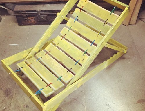 Pallet deckchair – constructed with pallet wood and held together with cable ties!