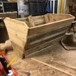 How to make a garden trough from pallets