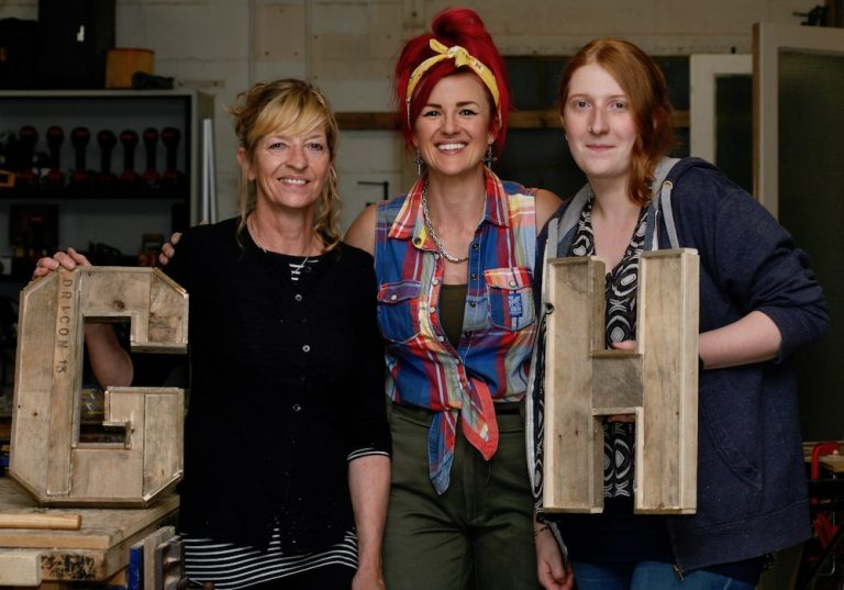 upcycling workshop with the salvage sister