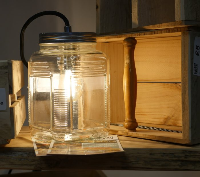 Making a jam jar lamp