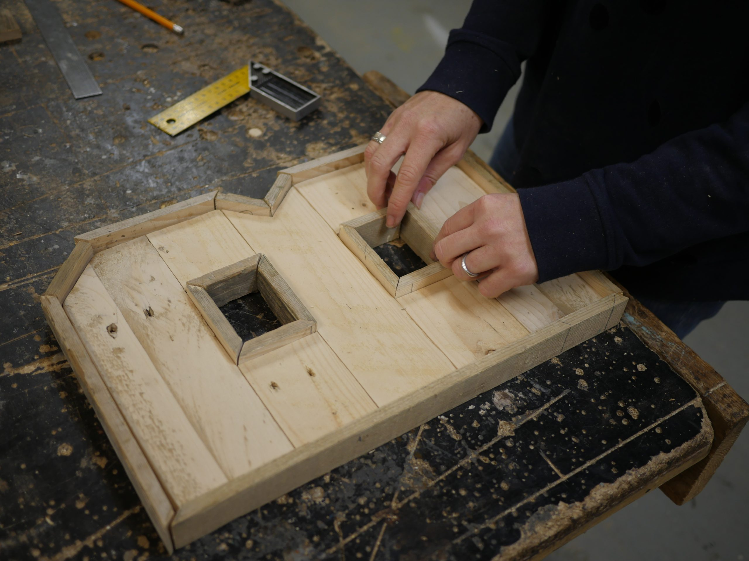 How to make pallet wood letters