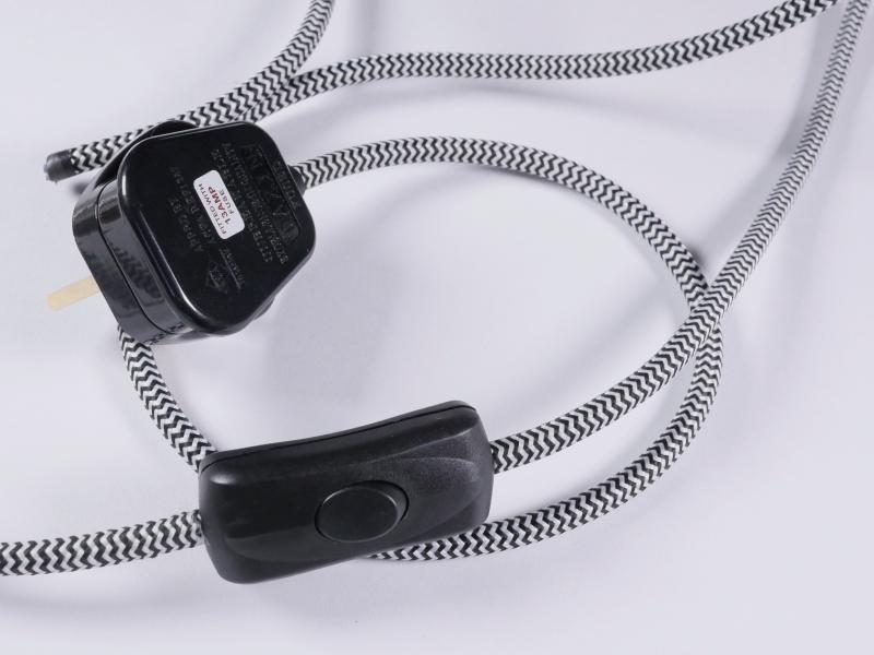 3 core black inline switch black and white fabric flex and British 3 pin plug
