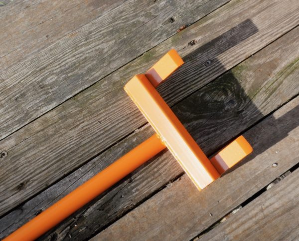 Pallet puller wrecking bar