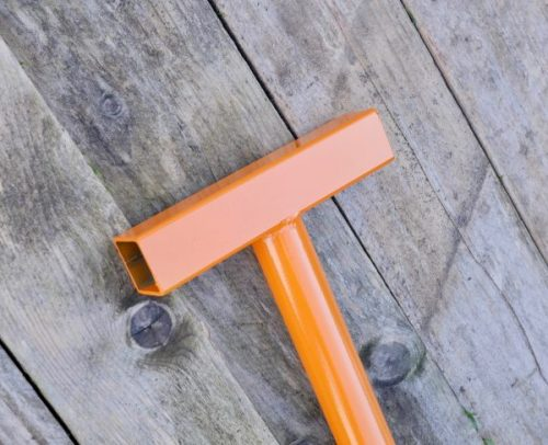 Pallet wrecking bar ergonomic handle
