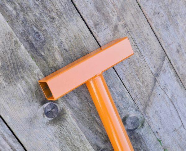 Pallet wrecking bar ergonomic handle