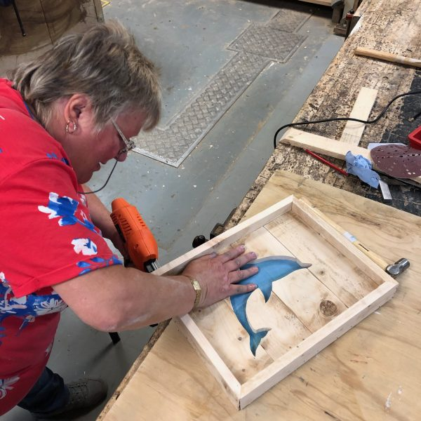 How to use powertools to make wooden pictures from pallet wood