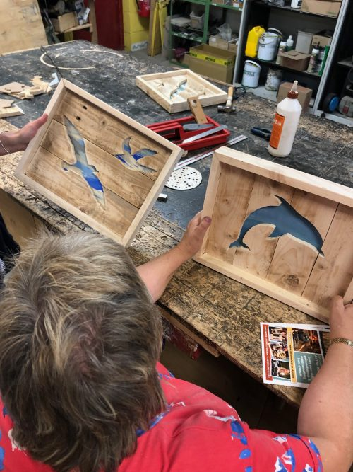 how to make a wooden silhouette artwork