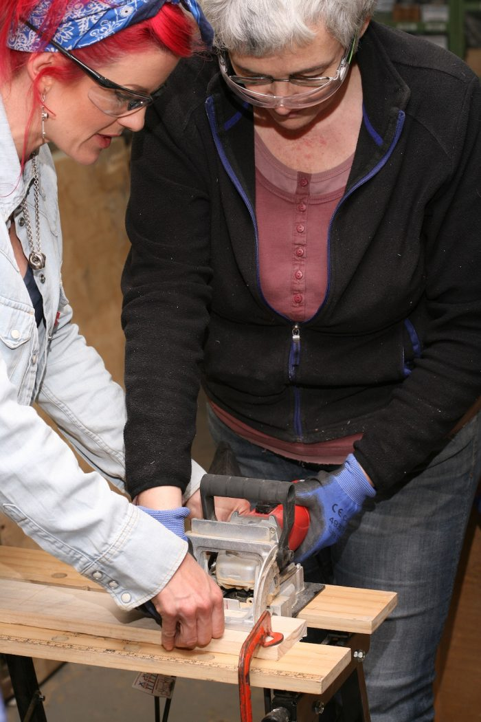 SHORT COURSES TO LEARN TO USE TOOLS IN BRIGHTON