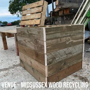 how to make a Pallet bench and planter for the garden