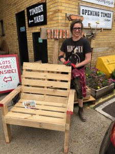make a pallet bench from scratch in this fun creative workshop