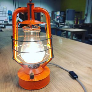 How to turn an old paraffin lamp into a working electrical desk lamp