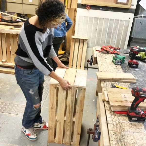 Pallet crafts Easy DIY furniture projects