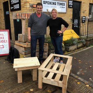 Two simple pallet crafts -ideas for tables